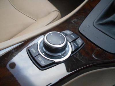 ショートカットボタンが付いて格段に使い易くなった第2世代型i-Driveも付いてますよ!!