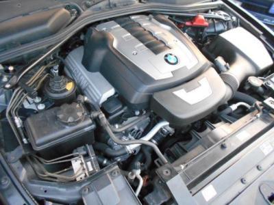 N62型B48B型 V型8気筒エンジン搭載。最高出力367ps/6,300rpm  最大出力50.0kg/3,400rpmのモンスターエンジンです。V8NAを存分に楽しめるエンジンだと思います!!