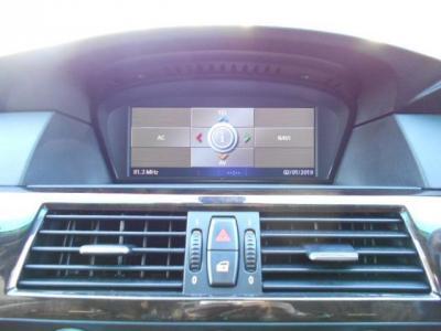車輛情報やナビ、設定画面などがこのモニターに映し出されます!