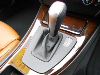 マニュアルのようなシフト操作を可能とするステップトロニック付き6速ATはパワーと燃費を両立!!