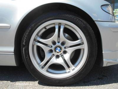 ステップトロニック機能付き5ATは、マニュアルモードに切り替えることでシフトレバーの前後操作でシフトチェンジが可能となりますので、ドライブシーンに応じてMT車のようなシフト操作を楽しむこともできます。
