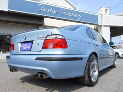 BMWのミドルレンジを担う5シリーズのM5目高級スポーツモデル。★ご購入後のメンテナンスも元BMW正規ディーラーメカニック多数在籍の「つたえファクトリーに」お任せ下さい!「http://tsutae-factory.com」