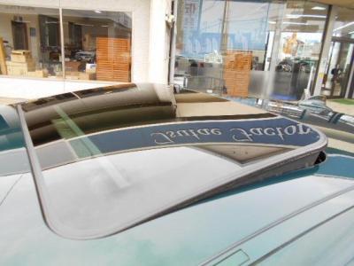 チルト機能付きガラスサンルーフは解放感溢れるドライブシーンを演出してくれます!! 日差しと共にオープンエアーを満喫して下さい!!