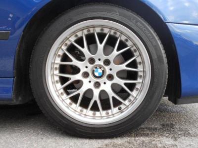 クロススポーク42が装着されています!タイヤの溝はまだまだあります!セダンは18インチでTRGは17インチです!