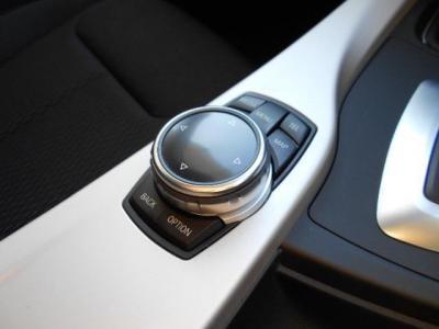 第3世代のNBTのiDriveはコマンド入力にタッチ操作が増え、操作性は初期のCCCと比べ格段に操作性は上がり、国産の2DINナビと遜色ないほどまで使いやすくなっています!