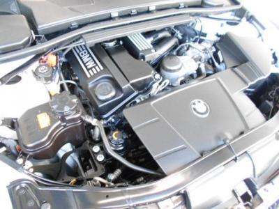 この車両に搭載されている2.0L直列4気筒DOHCエンジンとなり最大出力156ps/6400rpm、最大トルク20.4kg・m/3600rpmを発揮。レスポンス良く小気味のいい加速で駆け抜ける歓びを楽しめます。