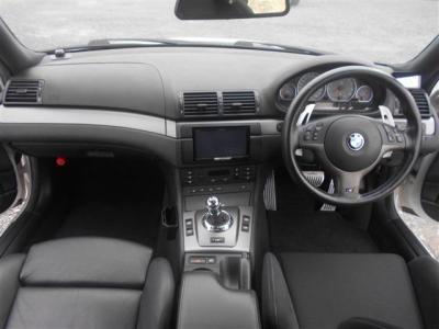 M3という特別な車両ではありますが、内装はいたってシンプル!走りに集中させている様な造りがBMWらしさがでていますね。