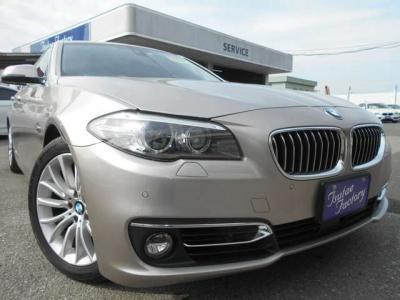助手席にも運転席同様のパワーシートを装備。足を伸ばしてくつろげる十分なスペースがあります!ご購入後のアフターサービスとして多数の特典もご用意してます!特典詳細「http://wp.me/P8hPUi-1lm」まで!