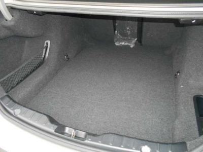 ダウンサイジング化された直列4気筒DOHCターボ エンジンは最大出力184ps/5000〜6,250rpm、最大トルク27.5kg・m/1250-4500rpmを発揮。BMWの新ユニットとなる小排気量ターボの加速を満喫ください!!