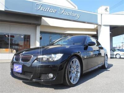 E90型335i カブリオレ MスポーツPKGの入庫です!★ご購入後のメンテナンスも元BMW正規ディーラーメカニック多数在籍の「つたえファクトリーに」お任せ下さい!「http://tsutae-factory.com」