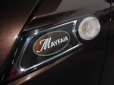 メイフェアとはMINI50周年を記念して登場した特別記念車です。期間限定での発売だった為、希少な一台となっております!
