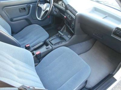 BMWを古くから愛している方たちはこの丸目4灯がたまらないとよく耳にします。あなたもノスタルジック雰囲気に思いをはせてドライブしてみてはいかがでしょうか。