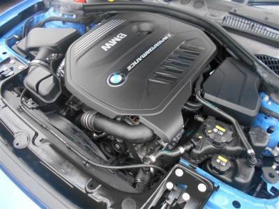 最高出力326ps、最大トルク450Nmのパワーを持つB58エンジン。直列6気筒エンジンはシルキーシックスと言われるほどBMWが強い拘りを持つところです。このお車でそのこだわりを存分に味わってください!