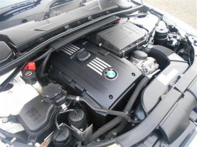 3.0L直列6気筒DOHCツインターボエンジンは、最大306ps/40.8kg・m(カタログ値)のハイパワー&ハイトルクを発揮。多くのシーンで余裕の走りを見せてくれます!