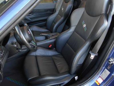 助手席も運転席同様ドライブには十分な居住スペースが確保されています。運転席と同じスポーツシートなので長距離でも体を振られることなくとても楽ですよ!もちろんパワーシート、シートヒーター付きです!