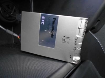 高速道路の必需品ETCも備わっています。ご納車の際には再セットアップを行ってからになりますのでETCカードを挿せばすぐに利用可能です!★全国納車承ります「http://tsutae-factory.com」
