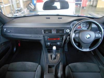 黒を基調とした車内にアルカンタラを使用したパネルやシートがスポーティさを感じさせます。ハンドルカバーまで張り替え済です。★保証についてはこちらをご覧ください「http://wp.me/P8hPUi-Tq」