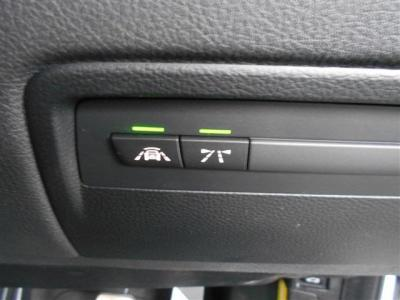 衝突軽減機能や車線逸脱警告機能なども装備!インテリジェントセーフティや快適機能もしっかりと備わっているのでシーンを選ばずに乗れるお車です。