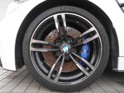 19インチ、ダブルスポークのMライトアロイホイール。タイヤの溝もバッチリ残っています。★全国納車承ります「http://tsutae-factory.com」