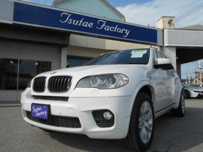 E70型 X5 Xドライブ35i Mスポーツ入庫致しました!!★ご購入後のメンテナンスも元BMW正規ディーラーメカニック多数在籍の「つたえファクトリーに」お任せ下さい!「http://tsutae-factory.com」