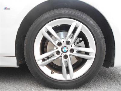 人気の17インチ M ライト・アロイ・ホイール・ダブルスポーク・スタイリング483Mは傷が少なく綺麗ですよ!タイヤはまだまだ使用可能です。★BMW車検の早期予約特典の詳細「http://wp.me/P8hPUi-xf」まで!