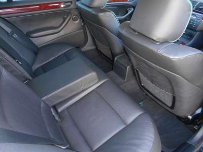 十分な居住空間を確保した後部座席に、ご家族やお友達をのせてリッチな気分でドライブをお楽しみください。