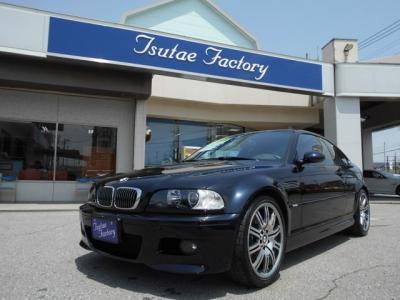 M3後期モデル入庫しました。M3専用エアロ+ボンネットからなる迫力のフロントフェィス!メンテナンスも元BMW正規ディーラーメカニック在籍のつたえファクトリーにお任せ下さい!「http://tsutae-factory.com」