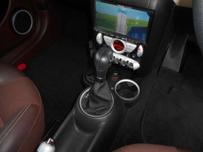 この車両に搭載される6速ATは変速ショックも少なく、スムーズな加速に貢献しています!★ご購入後のメンテナンスも元BMW正規ディーラーメカニック多数在籍の「つたえファクトリーに」お任せ下さい!