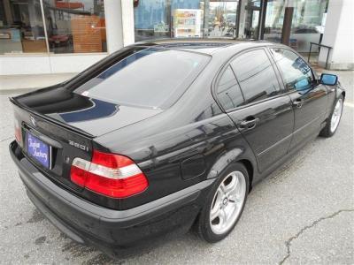 Mスポーツパッケージのボリューム感ある迫力のリアビューです。 ☆ご購入後のメンテナンスも元BMW正規ディーラーメカニック多数在籍の「つたえファクトリーに」お任せ下さい!! http://tsutae-factory.com