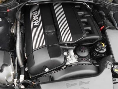 搭載される2.2L直列6気筒DOHCエンジンは最大出力170ps、最大トルク21.4kg・mを発揮。ストーレートシックスのトルク間のある加速を満喫できますよ