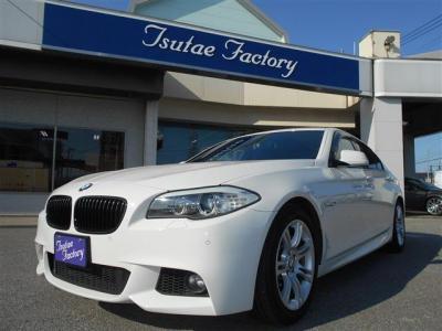 F10型 535i  Mスポーツ 人気色アルピンホワイト入庫致しました。 使用感の少ない1台ですよ。 ★ご購入後のメンテナンスも元BMW正規ディーラーメカニック在籍のつたえファクトリーへ。