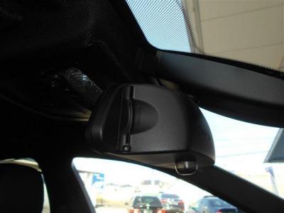 ミラー一体型の純正ETCも勿論装備。視界が広くなったミラーにETCがスッキリ収まっていて車内のスタイルを崩しません。 ドライブレコーダー等の取付けも是非ご相談下さい。