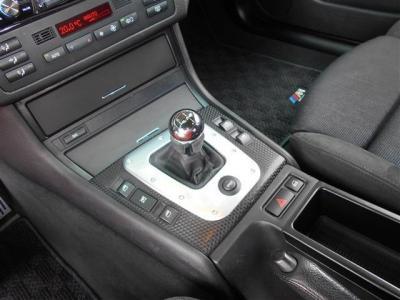 この車の最大のアピールポイントであるSMG!! 330iのSMGモデルは超希少!!E46型トップモデルの330iをSMGで操る楽しさは言うまでも無く「駆け抜ける歓び」そのものでしょう!!是非乗りこなしてください!