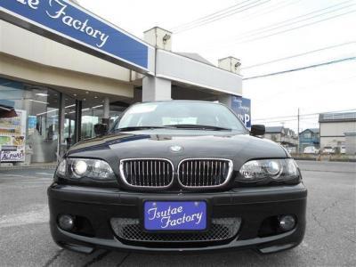 E46型 330i Mスポーツ 左ハンドルの6MT ブラックサファイヤ 後期モデルが入庫致しました。★ご購入後のメンテナンスも元BMW正規ディーラーメカニック多数在籍の「つたえファクトリーに」お任せ下さい!