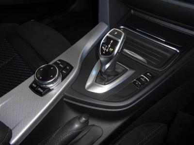 新開発の電子制御式8速ATは、スタイリッシュなデザインでマニュアルモードもついており、ショックの少ないスムーズな走りが楽しめ、カタログ値の燃費はなんとMTよりいい数値になっています。