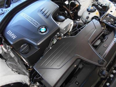 ダウンサイジングターボとなる2.0L直列4気筒DOHCターボエンジンは馬力184ps/トルク27.5kg・mを発揮し、サイズアップしたボディーを軽々と走らせます。