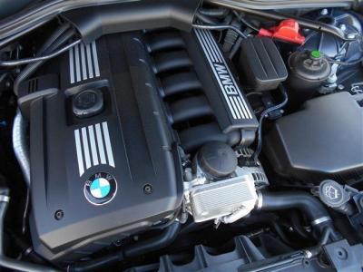N52型直列6気筒3000ccエンジン搭載。馬力272psトルク32.1kgを発生し、前期型よりも、14馬力アップしながら燃費もトルクもアップしています!