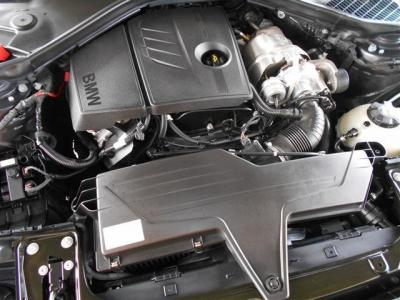 ボディ拡張に伴い荷室容量もアップ。普段使いの買い物等積み込みに困らないサイズです!トランクを開けてみると意外な広さに驚かれるかもしれません。リアシートの背もたれを倒し更に多くの荷物を積み込み出来ます。