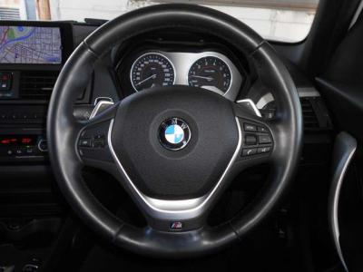 搭載されるエンジンは、直列6気筒DOHC3000CCターボのN55B30Aエンジンです。 320馬力、トルク45・9kgを発生しM135iをグイグイと加速させます。