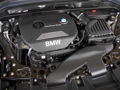 搭載されるエンジンはB38A15A 直列3気筒DOHCターボ で136馬力トルク22.4kgを発生します。1500cc エンジンですがターボとの組み合わせによりストレスを感じないですよ。