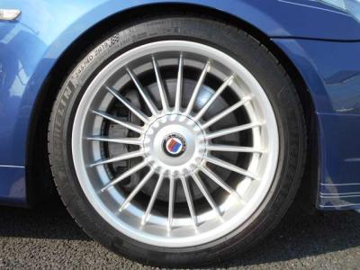 組み合わされるタイヤは4本共に静粛性、グリップに優れ乗り心地の良い2019年製ミシュランのパイロットスポーツ4です。