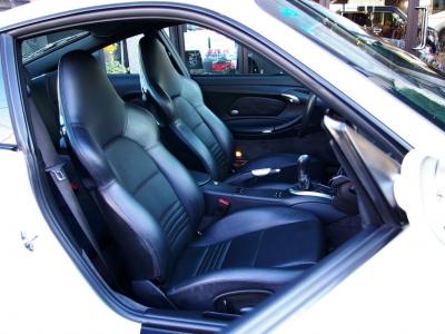 ★手入れの行き届いたブラック本革のフロントシート(左右電動リクライニング式)です♪ ★汚れや傷もなくグッドコンディションを保っています♪