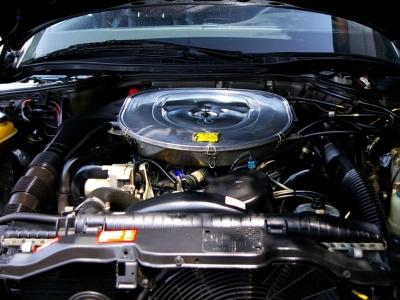 ★最大出力285psと最大トルク44.8kg・m(共にメーカーカタログ値)を発揮する5.6リッターV8エンジン。 ★気持ちのいいパワー感と余裕溢れるトルクは力強くクーペボディを加速させます♪