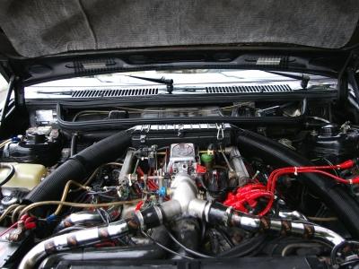 ★V6、SOHCツインターボチャージャー付きの2,800ccエンジンは225馬力(メーカーカタログ値)を発揮♪