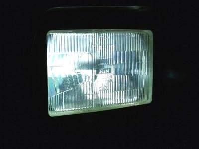 ★HIDヘッドライトに換装済みです。とても明るくナイトドライブも安心です♪