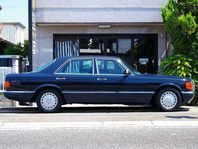 ★全長5020mm×全幅1820mm×1435mmの堂々たるボディです。 ★コレクターズアイテムの20世紀の名車W126を是非貴方の「お宝」にして下さい♪