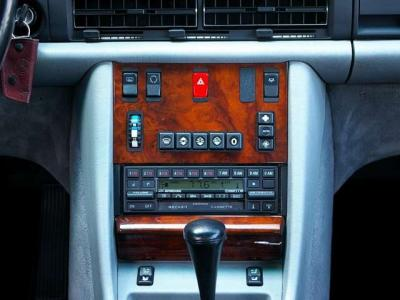 純正ベッカー製オーディオです♪ ★エアコンも快適です(正規ディーラーにてACコンプレッサー交換済み)。安心のドライブをお楽しみ下さい♪ ★滅多に出会えない個体です。ぜひお早目にお問合せ下さい♪