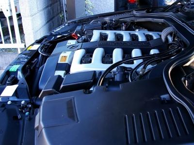 ★W140の最上級グレードに相応しい静寂性と十分以上の動力性能をもつ6リッターエンジン♪ ★そのフィールは一度体感すると、なぜ「V12」なのかということがよく分かります。