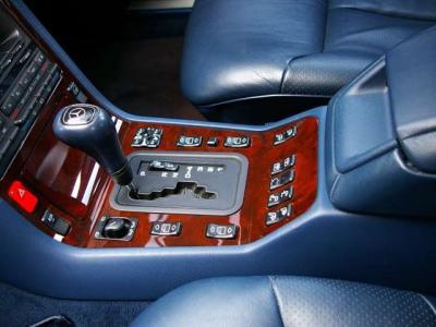 ★電子制御5速オートマチックでスムーズかつ力強い走りを楽しめます♪ ★S320にはない静寂性と乗り心地の良さはやはり上級グレードを実感♪