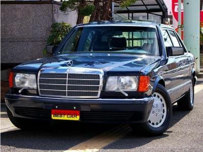 ★美しいボディデザインと王者の風格を持ち合わせたW126 Sクラス。20世紀に生まれた「名車」のひとつです♪